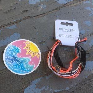 Puravida bracelet and sticker